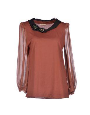 blouse cognac